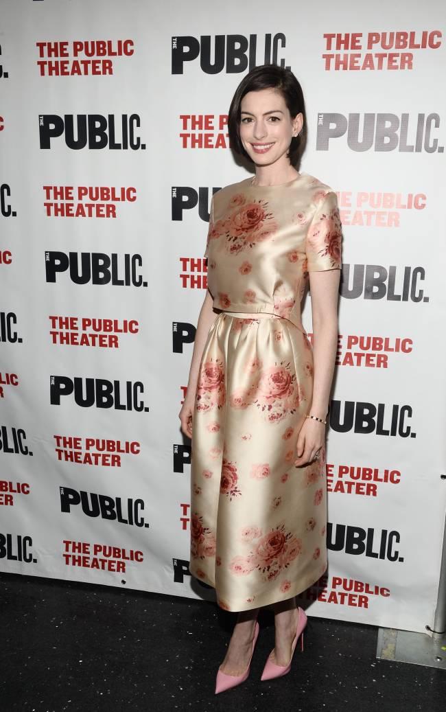 Энн Хэтэуэй призналась, что теряет роли из-за актрис помоложе