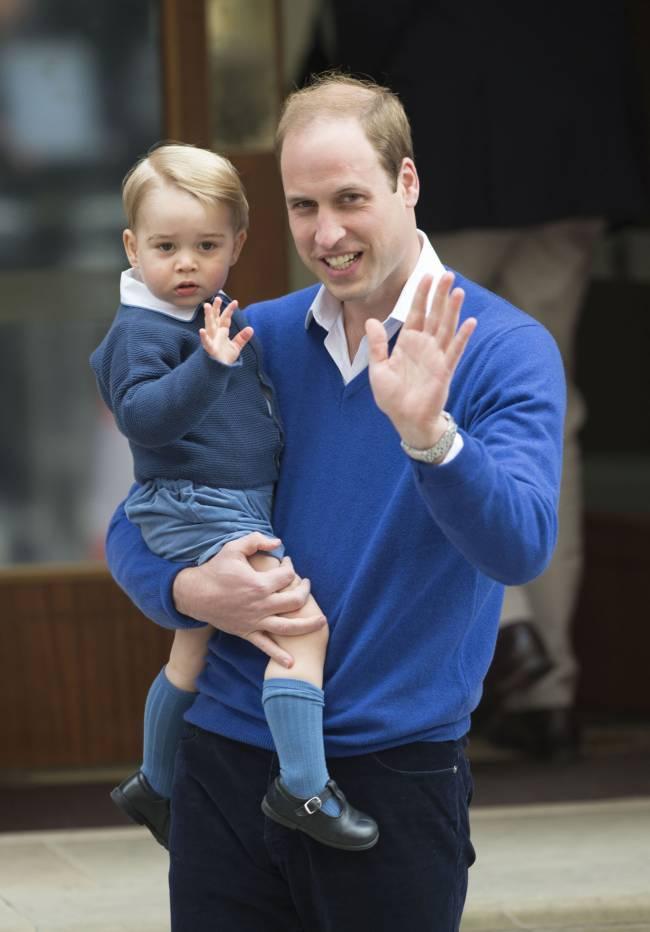 Сын Кейт Миддлтон и принца Уильяма в восторге от новорожденной сестрички
