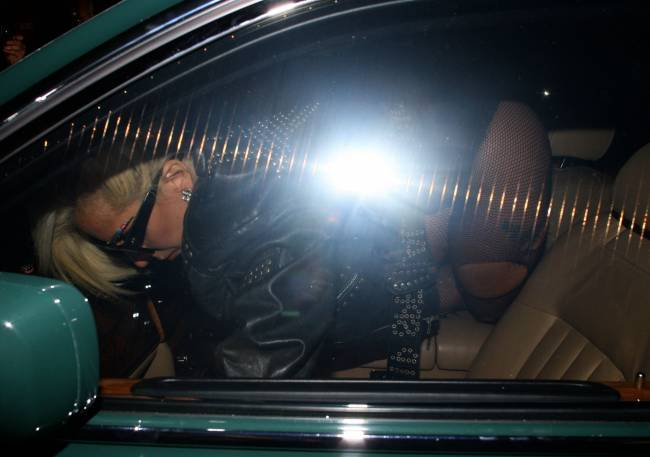 Леди Гага шокировала публику непристойным видом
