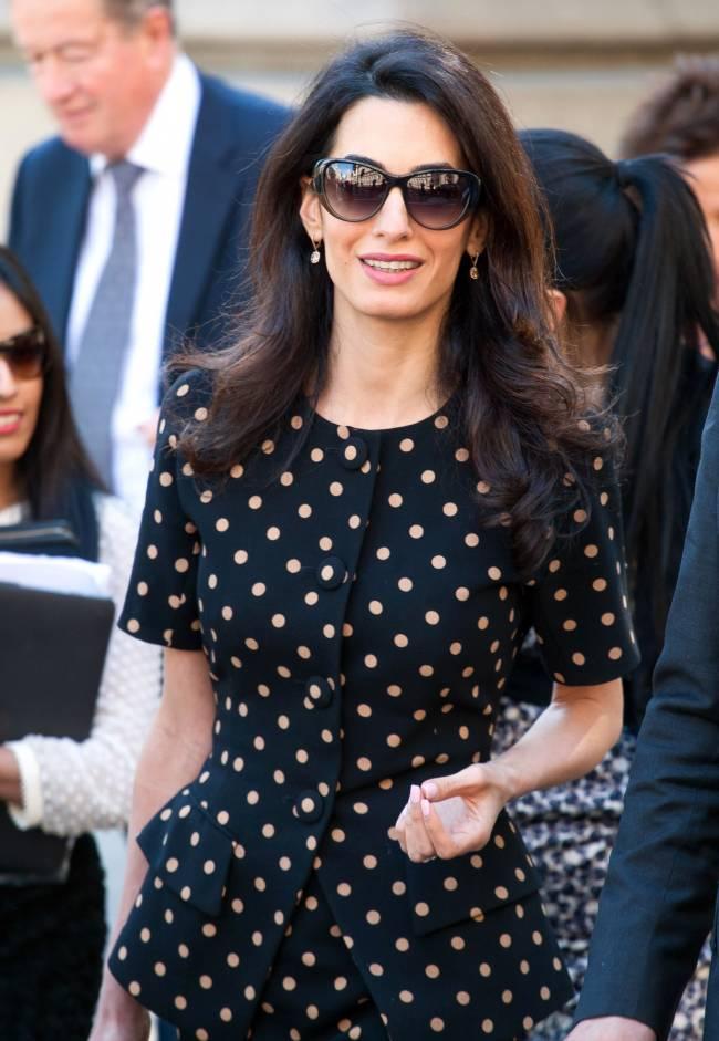 Талантлива во всем: Амаль Клуни решила заняться дизайном одежды
