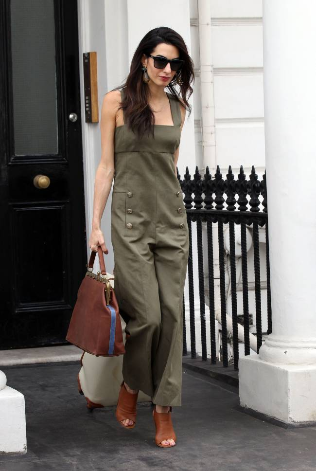 Амаль Клуни демонстрирует элегантный стиль на улицах Лондона