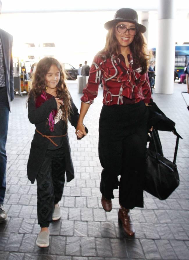 Мамина красотка: Сальма Хайек показала подросшую дочь