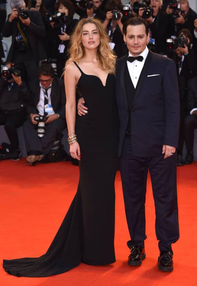 Влюбленные и счастливые: Эмбер Херд и Джонни Депп блистают в Венеции