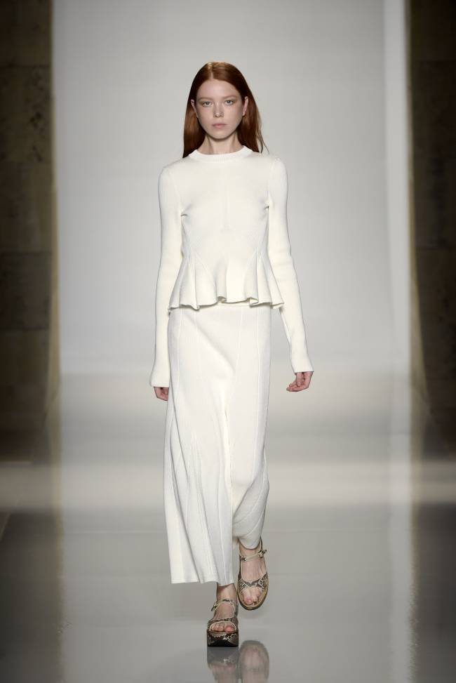 Виктория Бекхэм наконец ответила на обвинения по поводу выбора слишком худых моделей