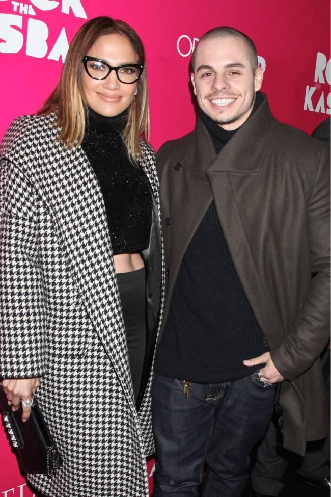 Дженнифер Лопес опровергла слухи о свадьбе с Каспером Смартом