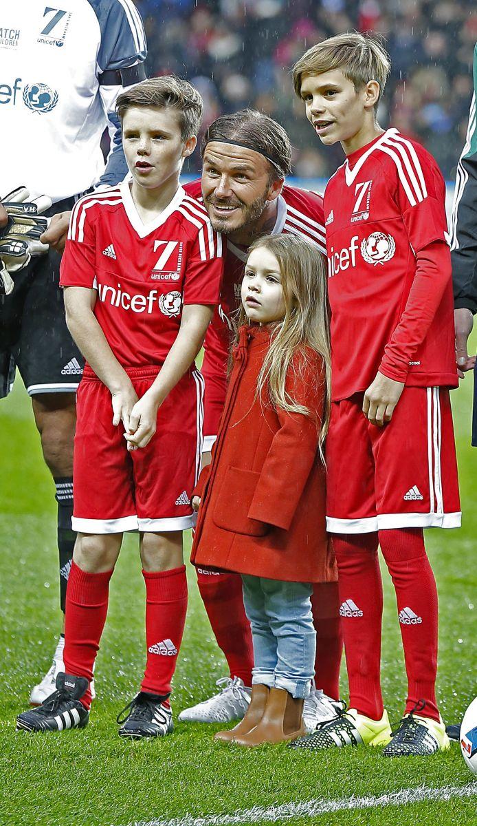 4-летнюю дочь Виктории и Дэвида Бекхэм признали иконой стиля