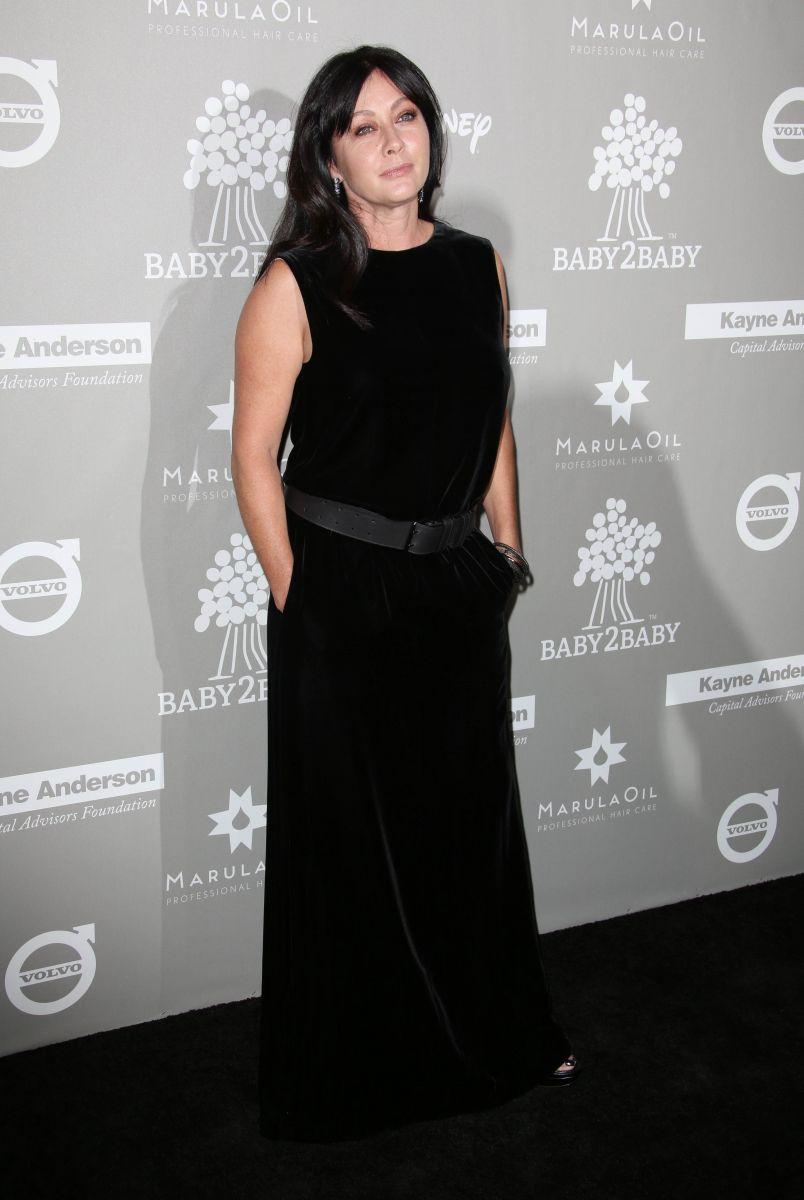 Онкобольная Шэннен Доэрти впервые появилась на публике после известия о болезни