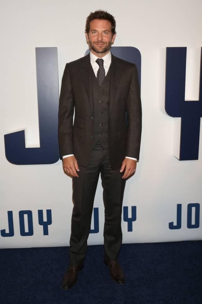 Стильные и успешные: Дженнифер Лоуренс и Брэдли Купер блистают на премьере в Нью-Йорке