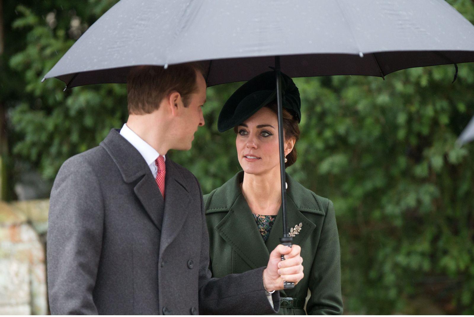 Кейт Миддлтон покорила публику стильным нарядом на церковной службе