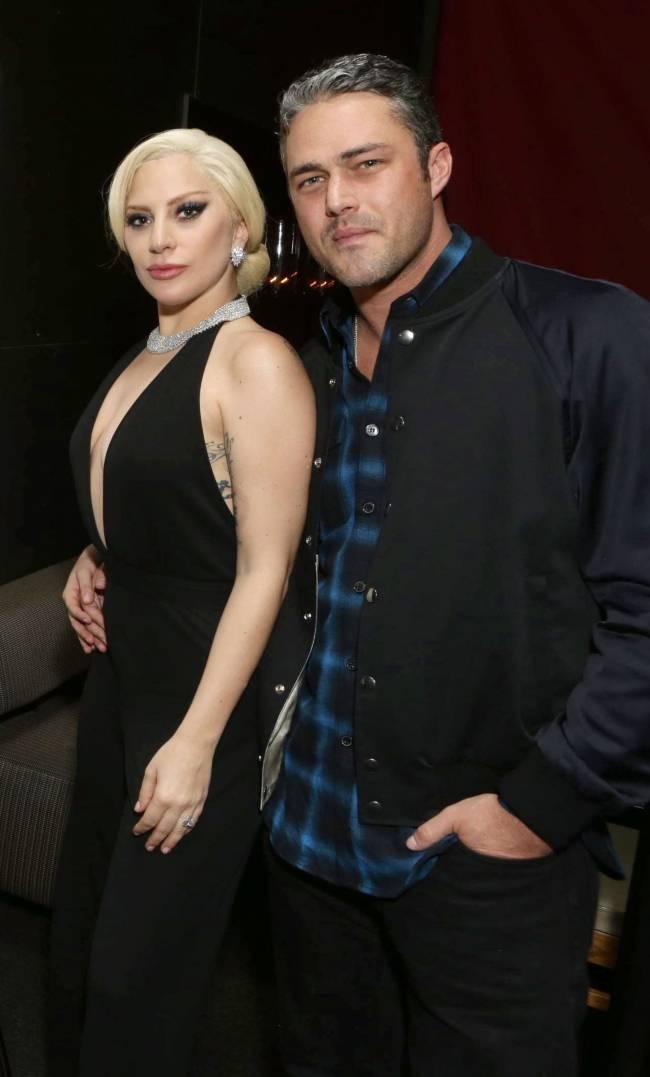 Стильный выход: Леди Гага и Тэйлор Кинни вместе блистают на кинопремьере
