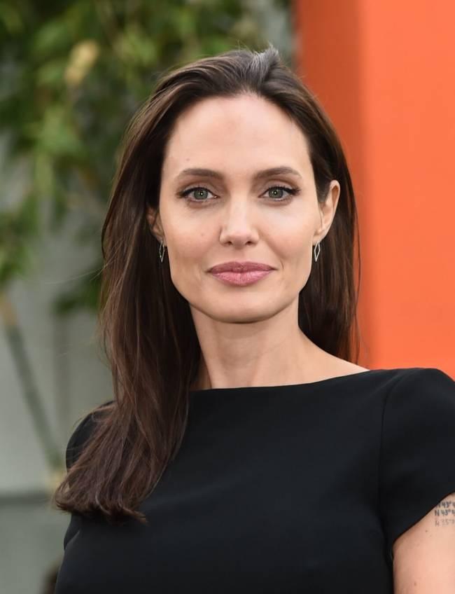 Анджелина Джоли стала лицом модного бренда: первое фото рекламной кампании