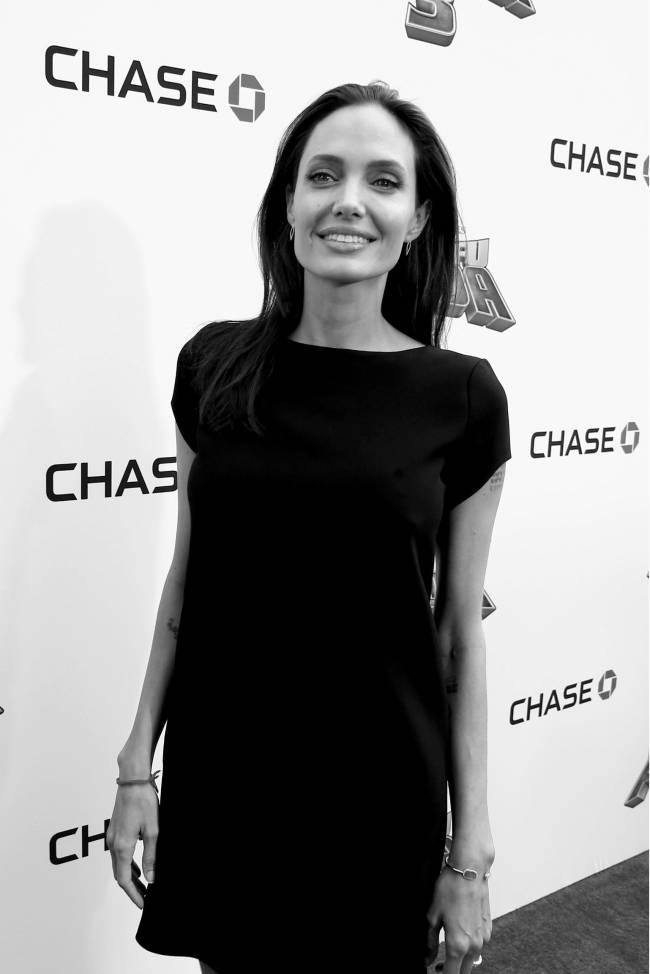 ЗМІ: Анджеліна Джолі закрутила роман з відомим співаком
