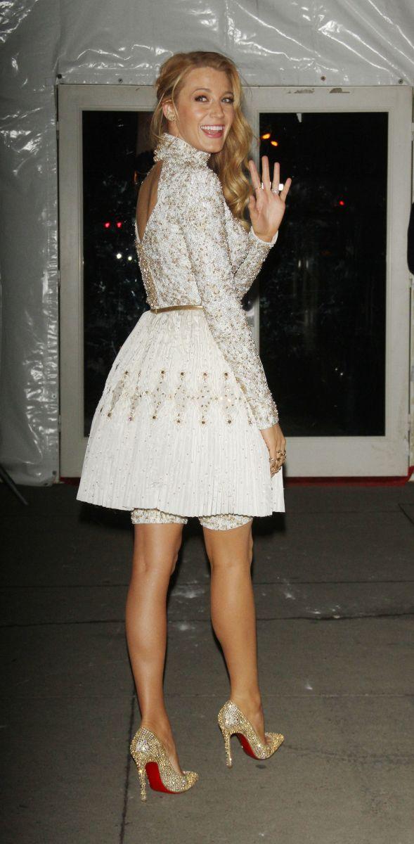 Панталоны в моде: Блейк Лайвли вышла в свет в необыкновенном нижнем белье