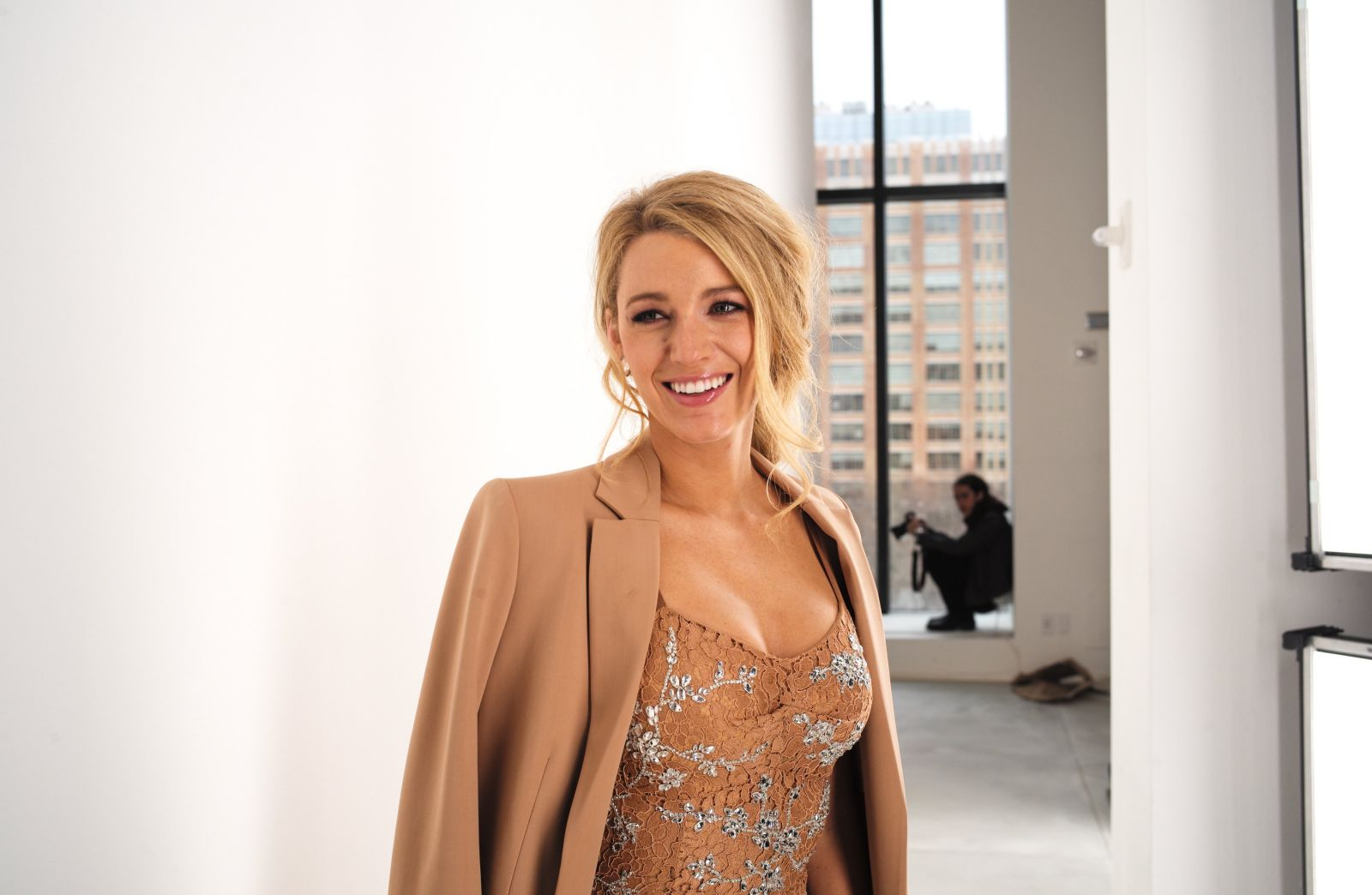 Нежно и со вкусом: стройная Блейк Лайвли покоряет отменным стилем на Неделе моды в Нью-Йорке