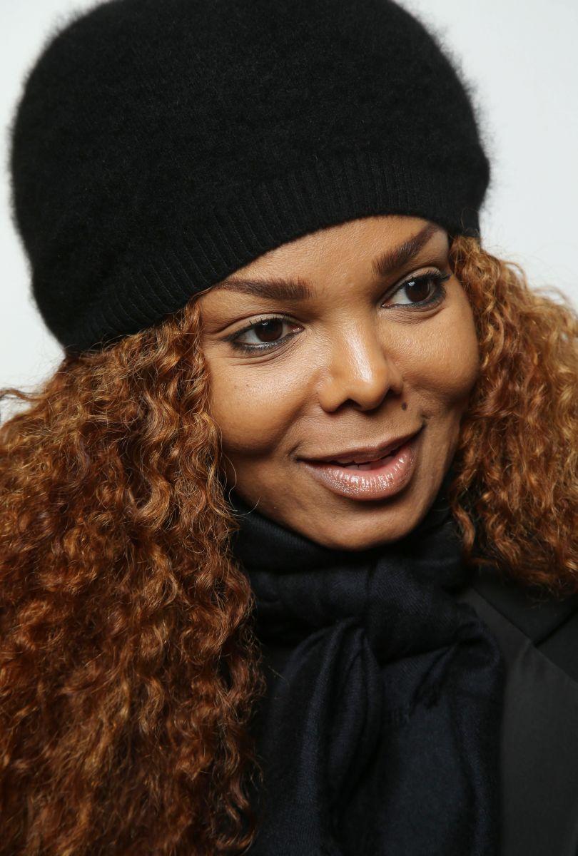 50-летняя сестра Майкла Джексона впервые стала мамой