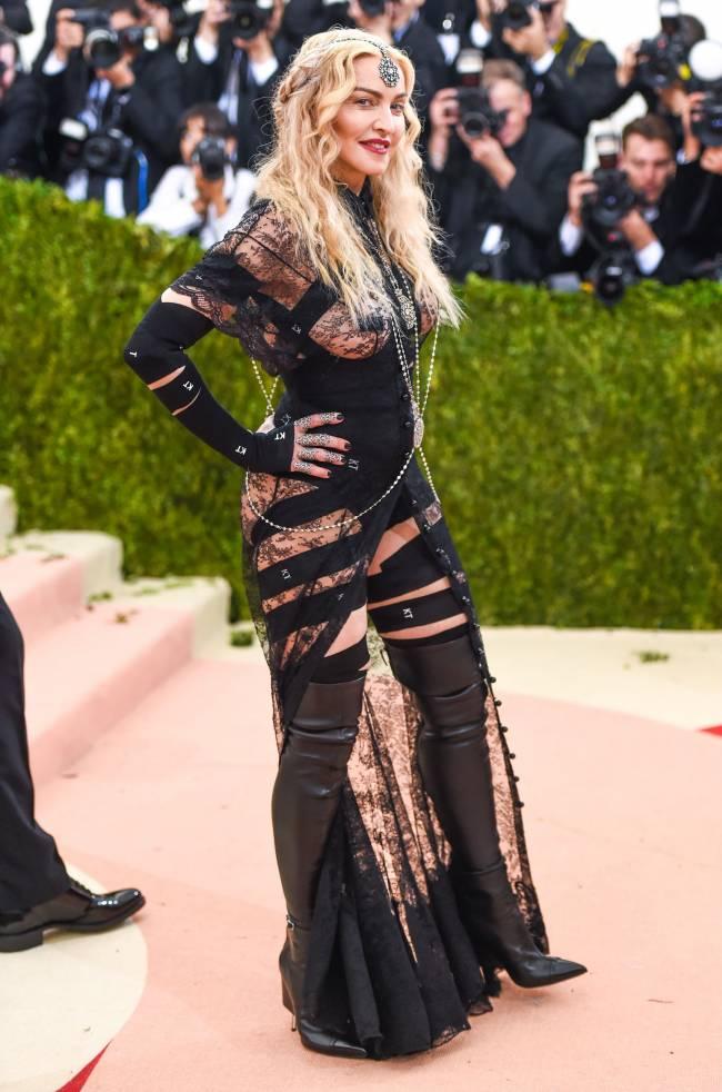 """Мадонна о своем шокирующем наряде на Met Gala 2016: """"Это было политическое заявление!"""""""