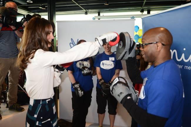 Видео: Кейт Миддлтон боксирует во время благотворительного мероприятия