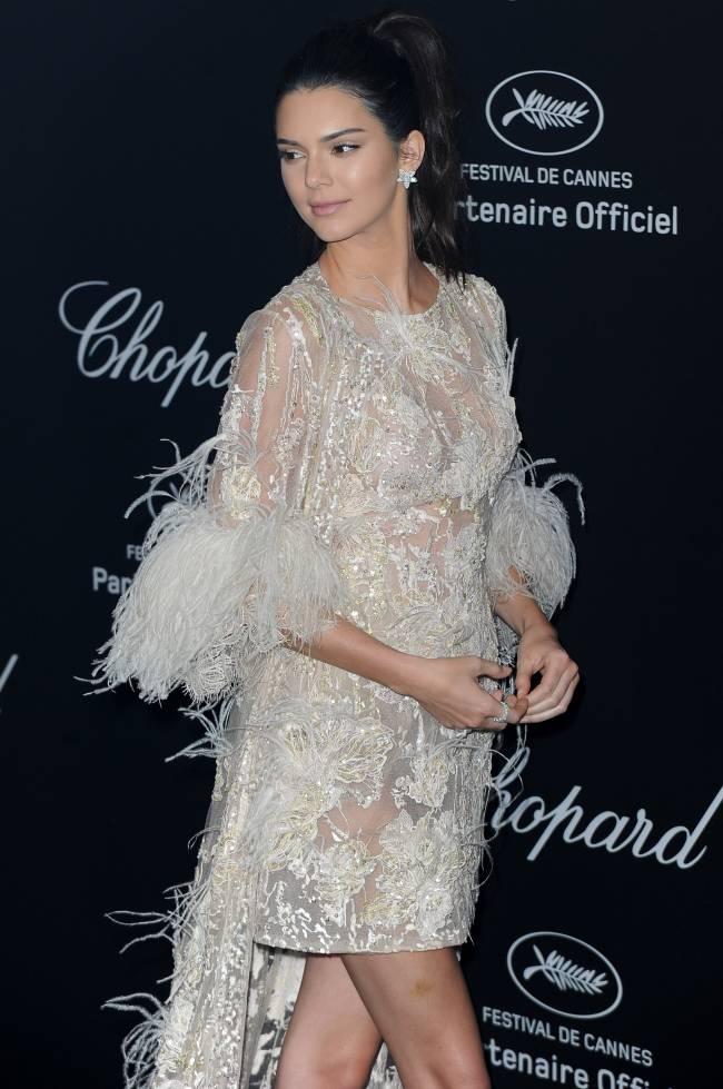 Канны 2016: Кендалл Дженнер блистает в элегантном наряде Elie Saab