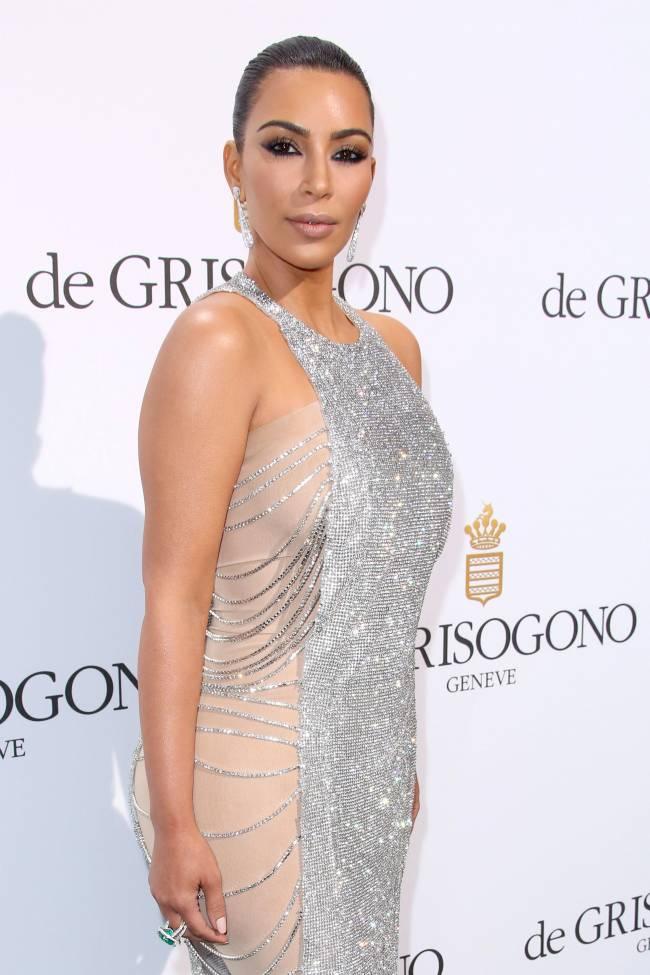 Дебют в Каннах: Ким Кардашьян впервые появилась на знаменитом фестивале
