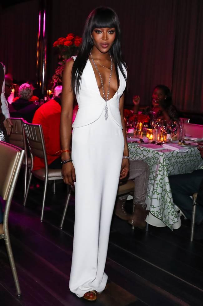 Королева ночи: Наоми Кэмпбелл отпраздновала день рождения в роскошном наряде Brandon Maxwell
