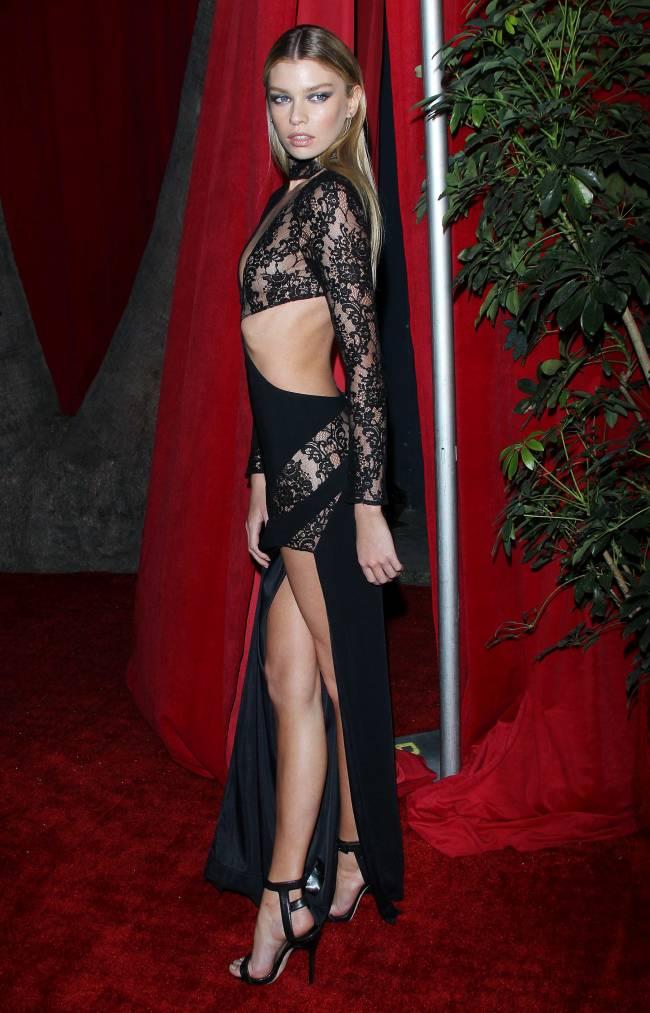 Кристен Стюарт закрутила роман с моделью Victoria's Secret Стеллой Максвелл