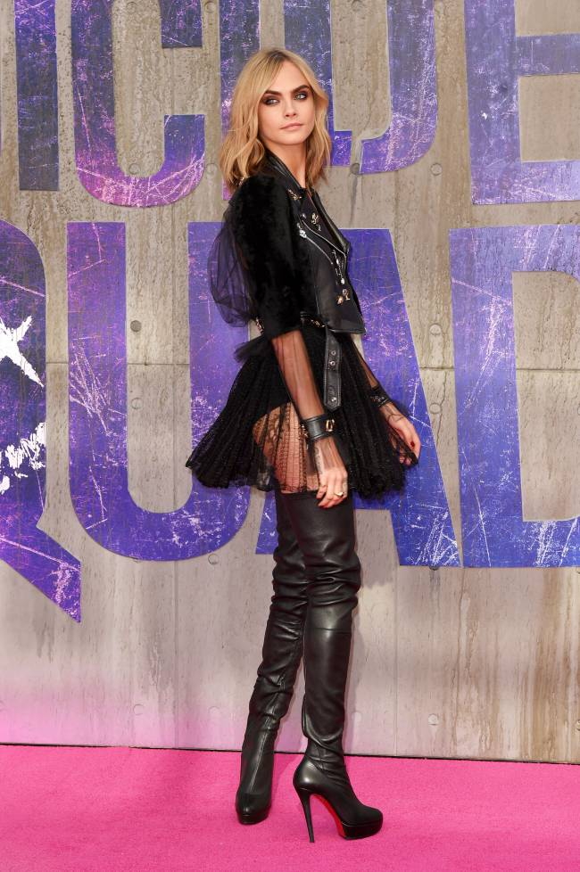 А где же юбка: Кара Делевинь показала нижнее белье на кинопремьере