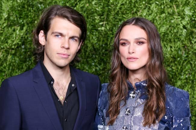 Кира Найтли с супругом Джеймсом Райтоном посетила вечеринку Chanel