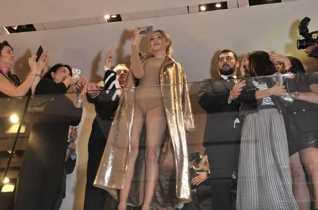 Ничего лишнего: Джиджи Хадид появилась на светской вечеринке в соблазнительном боди
