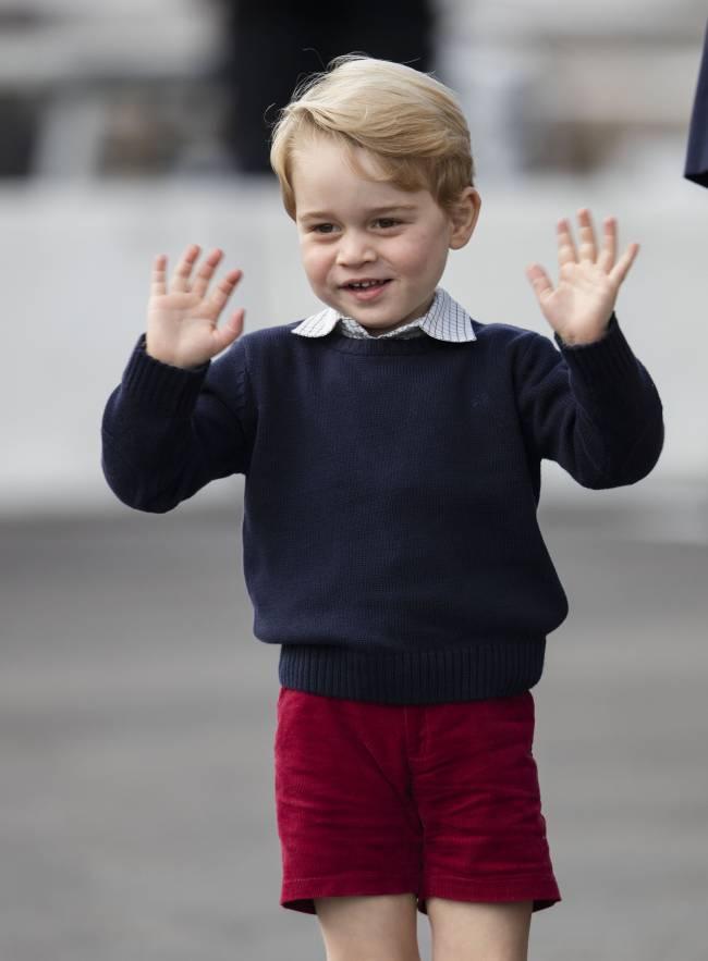 Как быстро растут дети: сын Кейт Миддлтон и принца Уильяма идет в школу