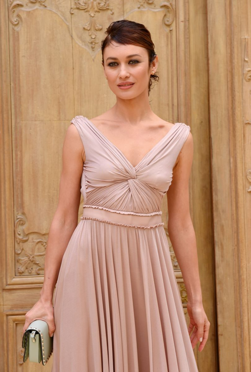 Ольга Куриленко блистает в изысканном наряде на модном показе Valentino