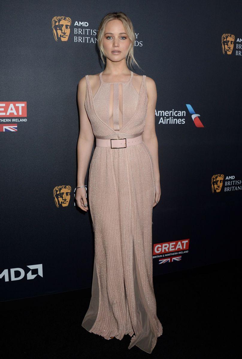 Дженнифер Лоуренс в платье Elie Saab