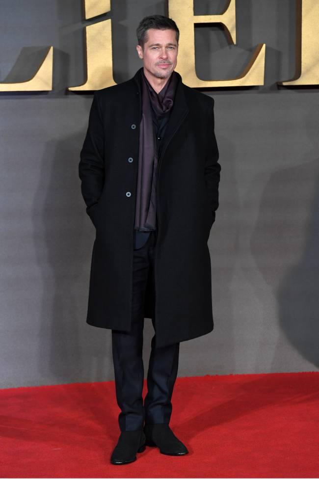 Идеальный мужчина: Брэд Питт покорил публику стильным нарядом на красной дорожке