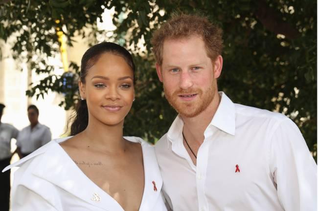 Сеть взорвали совместные фото принца Гарри и Рианны