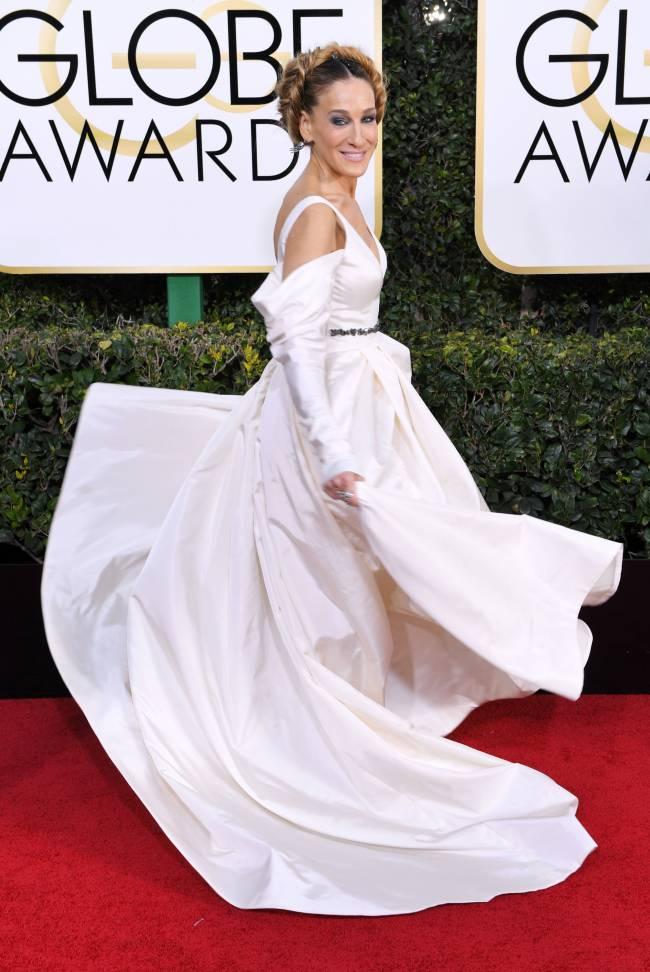 Сара Джессика Паркер появилась на красной дорожке в свадебном платье Vera Wang