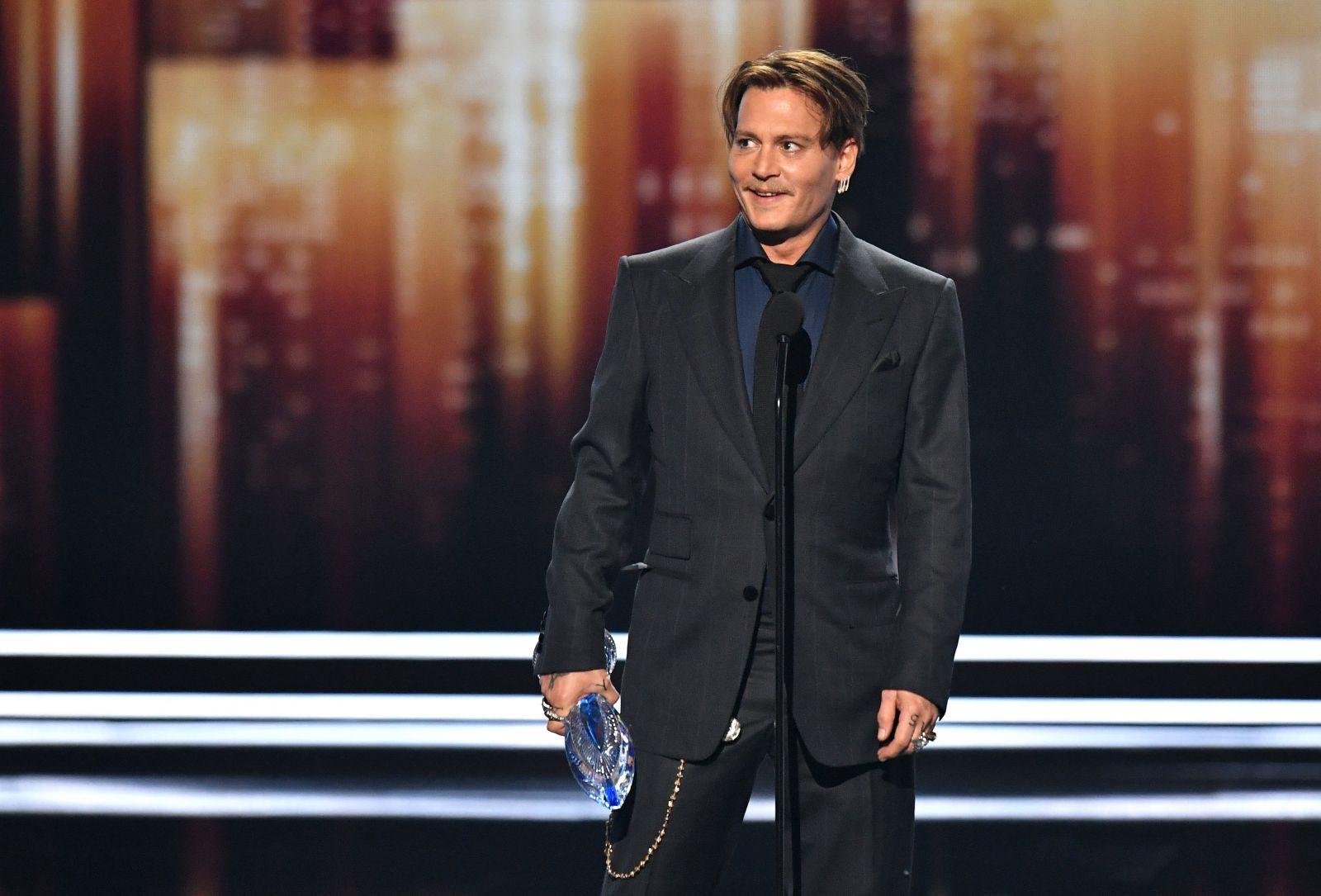 Фотографии известных людей напремии People's Choice Awards