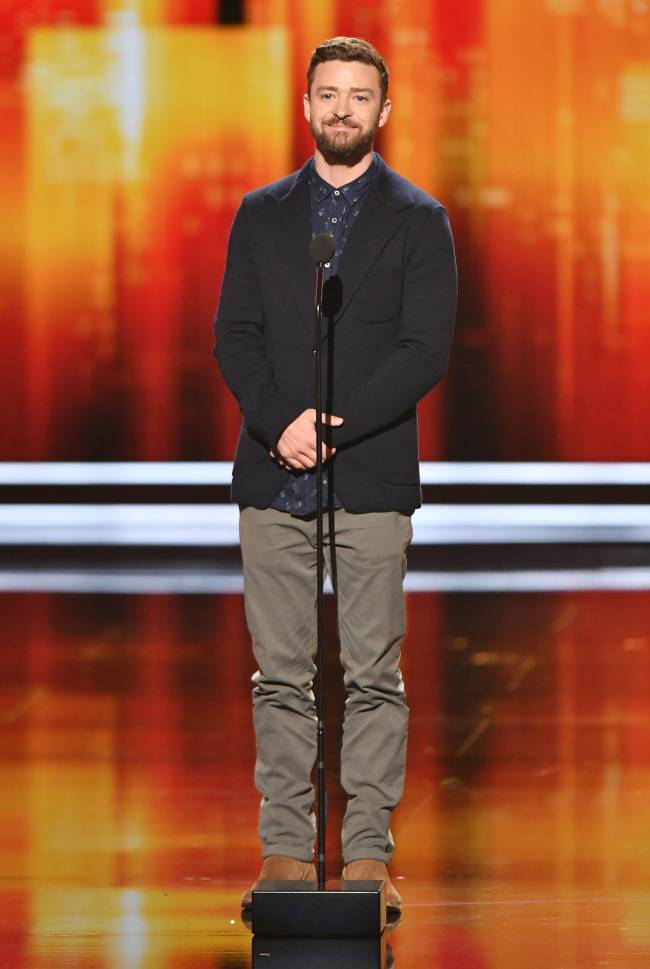 """Джастин Тимберлейк растрогал поклонников обращением к сыну со сцены: """"Я тебя люблю, и марш в постель"""""""