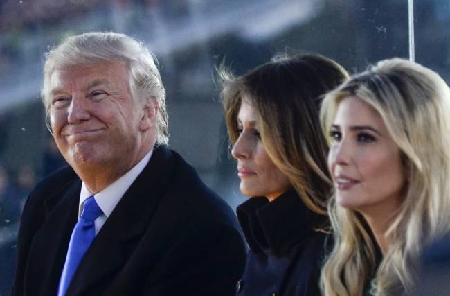 Вот так поворот: Мелании Трамп пришлось делить кабинет первой леди США с Иванкой Трамп