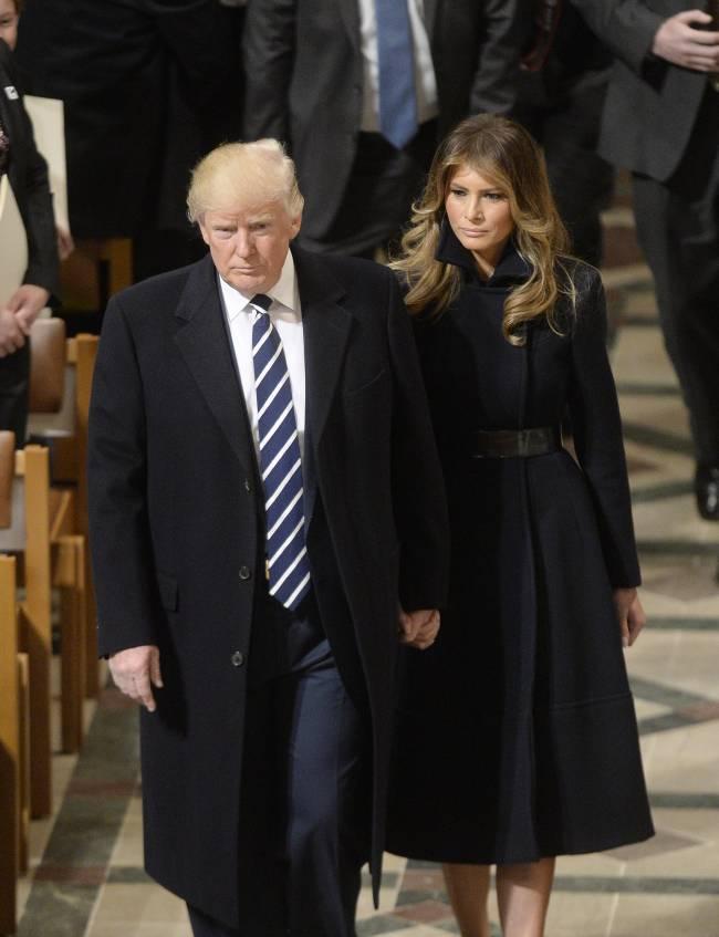 """Инсайдеры о Мелании Трамп: """"Она не скрывает, что несчастна"""""""