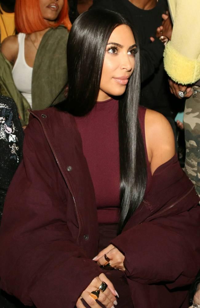 Кардинальные перемены: Ким Кардашьян обрезала волосы и перекрасилась в блондинку