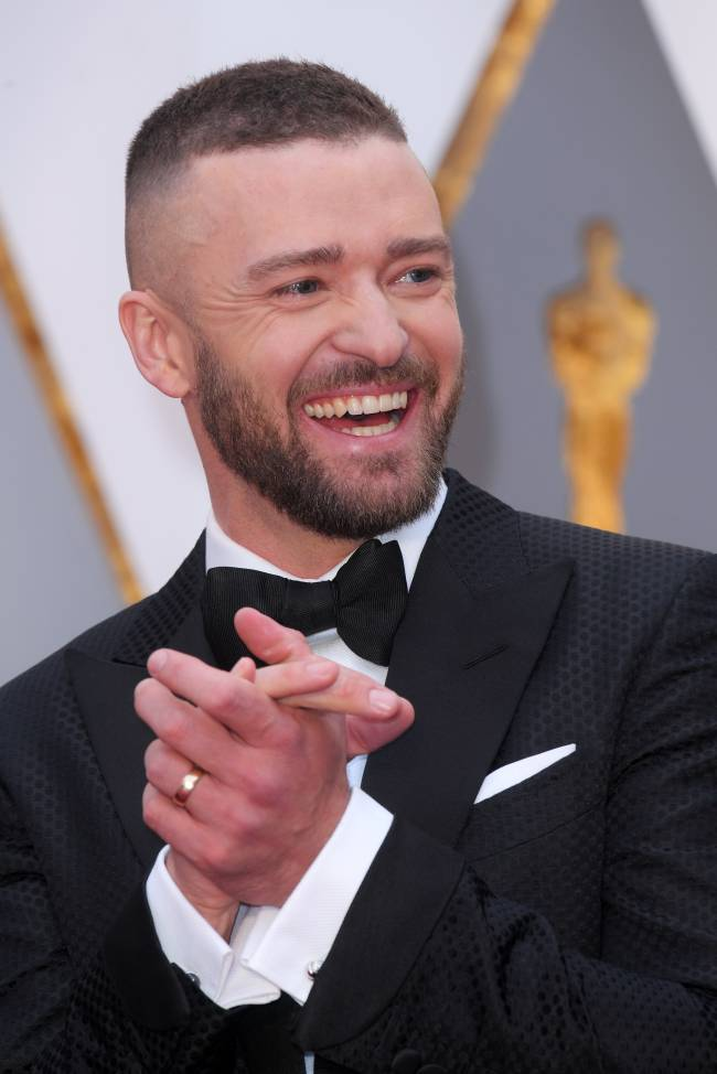 """Сила смокинга: актеры, покорившие красную дорожку """"Оскара-2017"""" бессменной классикой"""