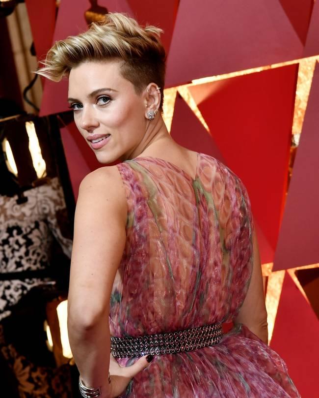 Лучшие наряды звезд накрасной дорожке «Оскара»