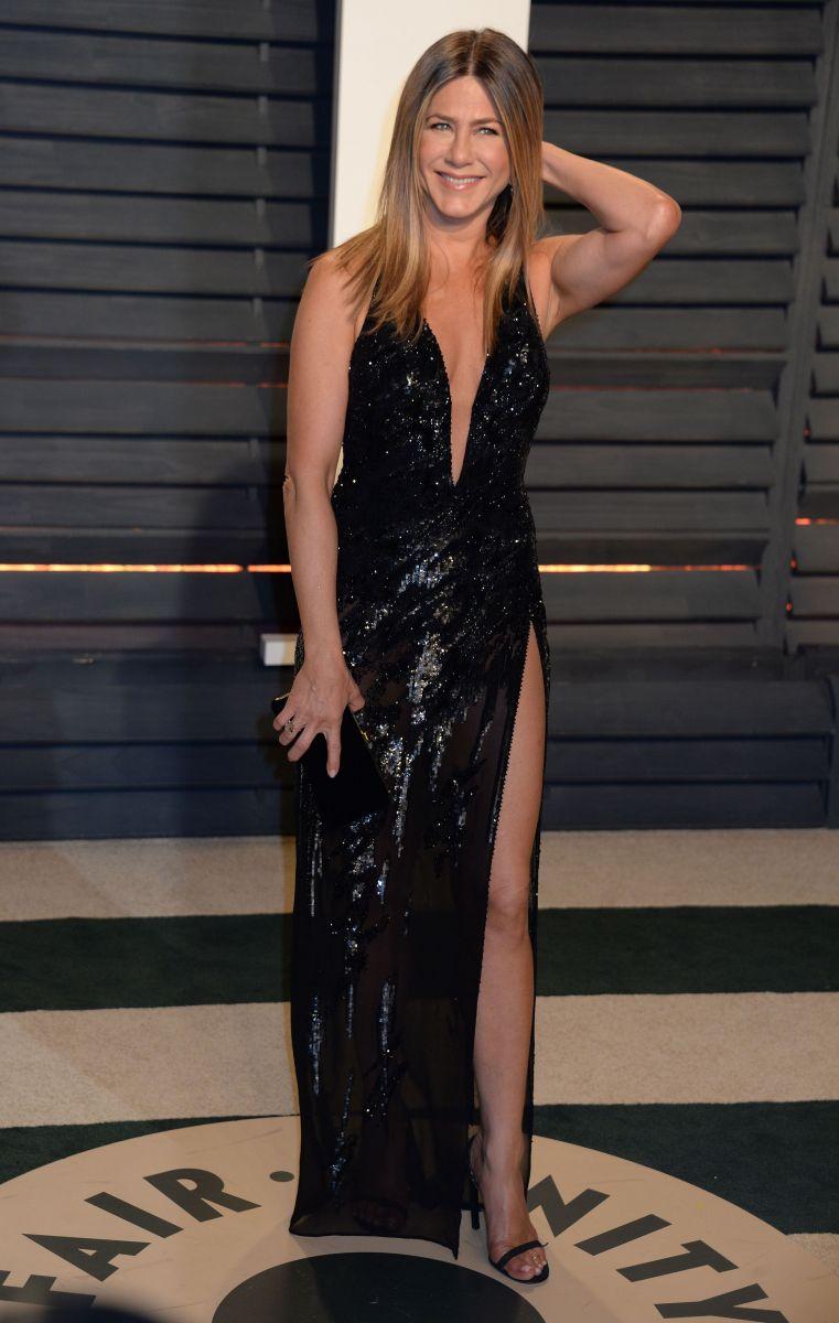 Малышка на миллион: Дженнифер Энистон в шикарном платье и бриллиантах за $10 миллионов