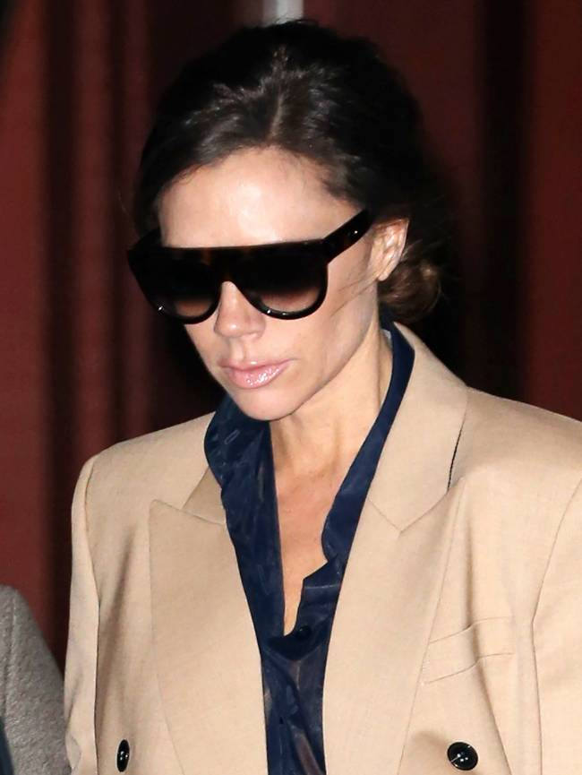 Идеально: Виктория Бекхэм покорила Нью-Йорк в наряде из собственной коллекции