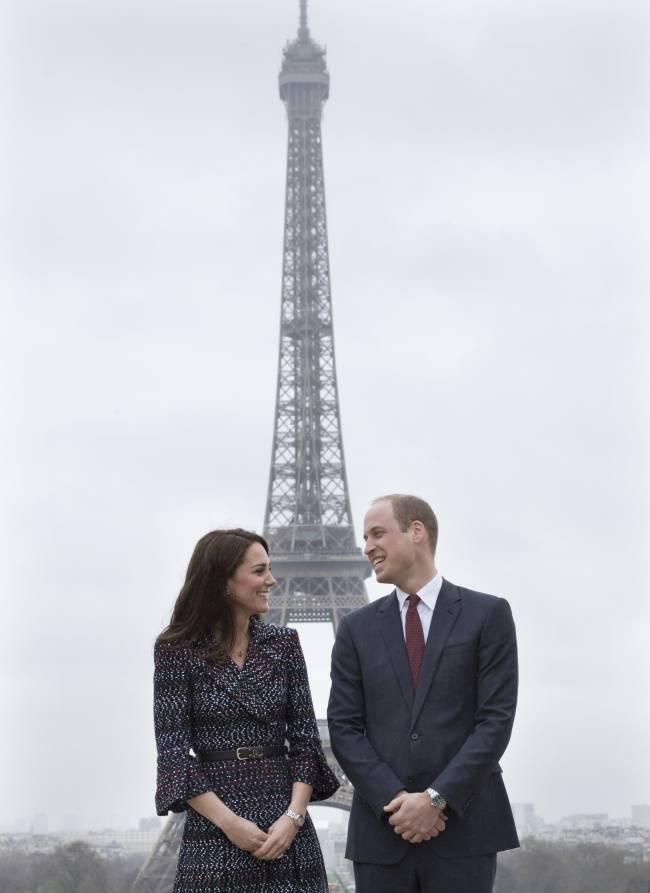 Первый выход после скандала: принц Уильям и Кейт Миддлтон в Париже