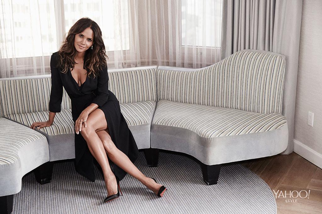 Холли Берри призналась, что красота когда-то мешала ее актерской карьере