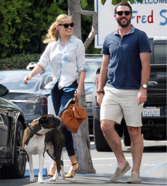 Кейт Аптон впервые появилась на прогулке с возлюбленным