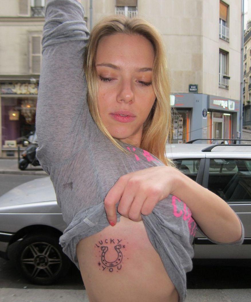 У какой порно актрисы на левой лодыжке тату эльфийка на правом плече колючка 24 фотография