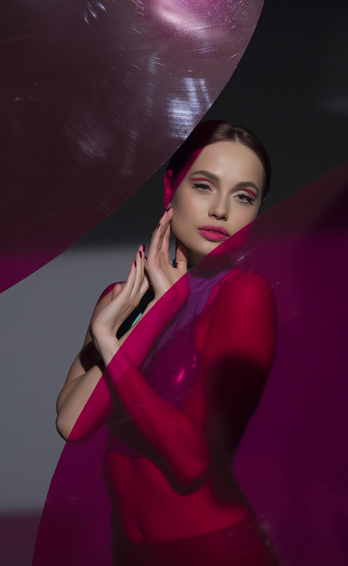 Сексуальные солистки Real O соблазняют в новом клипе в латексных костюмах