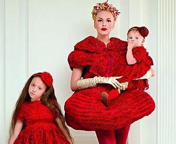 Оля Полякова с детьми в фотосессии для Viva!