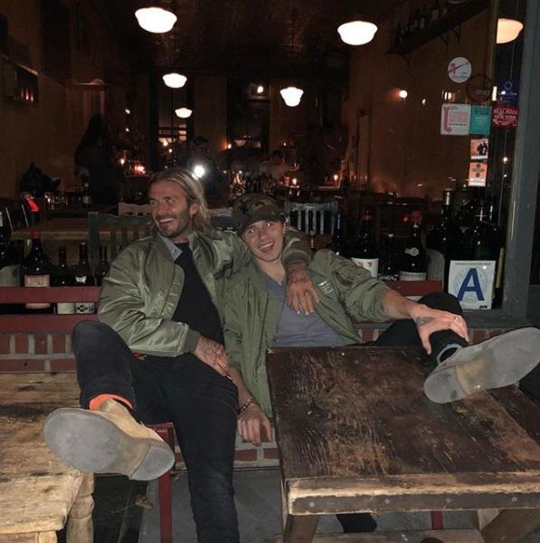 Мужское веселье: Дэвид Бекхэм приехал навестить сына Бруклина в Нью-Йорк